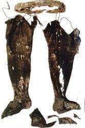 Hose (or chausses) dated to 1247 which are the burial hose of Rodrigo Ximenez de Rada from Madrid.