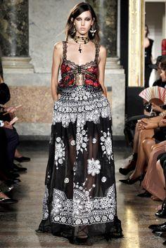 2b7f91f25f51 862 Best EMILIO PUCCI images in 2016 | Fashion Show, Gypsy Style ...