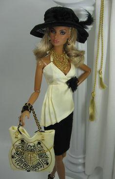 Shopaholic for Fashion Royalty Doll