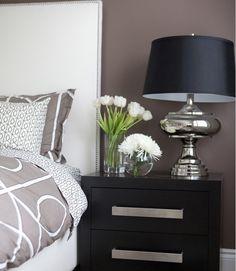 modern bedroom : dwell bedding : lamp : nightstand