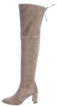 dc577246221 Heel measures approximately 90mm  3.5 inches Light-gray suede Pull ...