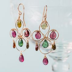 Form is temporary, but class is eternal. Show your everlasting elegance with these earrings.