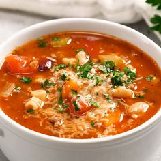 One of my all time favorite soup recipes! We have this on regular rotation for dinner and it's a reader favorite, try it and you'll see why! It's loaded with beef, veggies, pasta, beans and a flavorful tomatoy broth. fagioli soup BEST Pasta e Fagioli Soup Easy Soup Recipes, Healthy Recipes, Vegetarian Recipes, Chicken Recipes, Cooking Recipes, Veggie Soup Recipes, Veggie Pasta, Pasta Recipes, Pasta E Fagioli Soup
