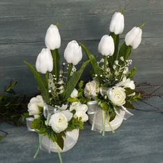 Easter Flower Arrangements, Flower Arrangement Designs, Easter Flowers, Floral Arrangements, Centerpieces, Table Decorations, Kids And Parenting, Diy And Crafts, Wreaths