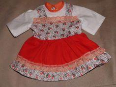 Schoene-alte-Puppenkleidung-Niedliches-einteiliges-Kleid