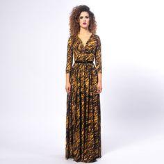 4a04eb9a2 Suknia wieczorowa z kolekcji The Look, projektantki, Mility Nikonorov.  Uszyta z materiału z