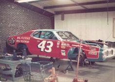 Nascar Race Cars, Old Race Cars, Sports Car Racing, Dirt Racing, Auto Racing, Richard Petty, King Richard, Kyle Petty, Race Engines