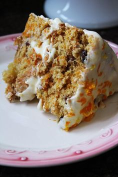 Zucchini cake with pine nuts - Clean Eating Snacks Cupcake Recipes, Cupcake Cakes, Snack Recipes, Cooking Recipes, Portuguese Recipes, Zucchini Cake, Savoury Cake, Cream Recipes, Carrot Cake