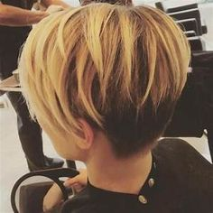 Two Toned Pixie Cut | coupes courtes | Pinterest | Cheveux ...