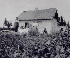 Ukrainian home, Malonton, Manitoba circa 1915 History Historic Historical Photos Photographs Pics Pictures Vintage Old West Canadian Settlement Prairies Ukraine Canada Native Canadian, Canadian History, Vintage Photographs, Vintage Photos, All About Canada, Aboriginal Education, Pioneer Day, Immigration Canada, One Wave