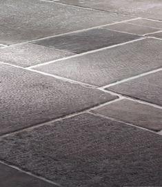 Grobe, lebendige Optik Grosse Vielfalt und unterschiedliche Strukturen, gespitzt (grob), gestockt (fein) und mit glatter Oberfläche Platten teilweise mit Randschlag Naturbelassene und geschlagene Kanten Geeignet u.a. für Boden- & Wandbeläge, Nasszellen, Treppen und Weinkeller Kollektion Dalle mit über 135 unterschiedlichen Modellen in über 100 verschiedene Plattenformen Formate von 30 x 30cm bis 30 x 130cm <<Zurück