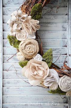 burlap floral wreath - The perfect spring wreath!!