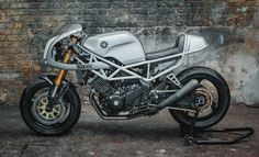 http://thebikeshed.cc/2017/02/17/seb-hippersons-trx850/