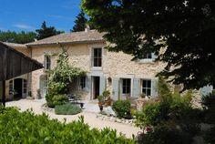 Bekijk deze fantastische advertentie op Airbnb: Maison d'hôte Le Lavoir du Lauzon - Bed & Breakfasts te Huur in Clansayes
