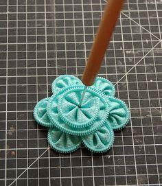 Tutorial :: zipper flower