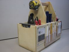 Tool organizer.  Try to keep extras to a minimum, but this would keep the most used items right at hand.  Great concept. Tool Tote, Tool Organization, Hand Tools, Wood Projects, Magazine Rack, Toolbox, Ideas Para, Workshop, Woodworking