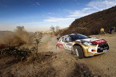 El piloto australiano Chris Atkinson, conduce su Citroen DS3 WRC, durante el primer día del Campeonato Mundial de Rally en León, México. (EFE)