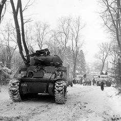 Military Photos, Military History, Military Style, Typical British, Us Armor, Stuck In The Mud, Sherman Tank, Ww2 Tanks, Battle Tank