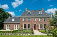 Villa te Barendrecht eigen ontwerp – Aannemings- & Bouwbedrijf Bloemfontein
