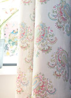 Fun Florence paisley design adds such a wonderfully lively touch to any room.