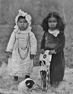 Young Nez Perce girls in Collville, Washington – 1906