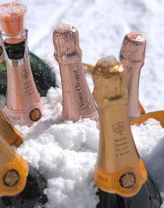 Never let the bubbles stop. Champagne on ice. Substitute for a Champagne ice bucket. Champagne Moet, Champagne Region, Champagne Taste, Champagne Cocktail, Sparkling Wine, Aspen, Cheers, Veuve Cliquot, Le Chef