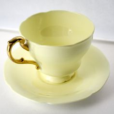 Yellow Paragon Tea Cup & Saucer - Vintage Daffodil Yellow Clearance - Gorgeous Paragon Tea Cup & Saucer in a Daffodil Yellow color with Vintage China, Vintage Tea, Tea Cup Saucer, Tea Cups, Teapot Cookies, Yellow Cups, Teapots And Cups, Le Diner, Mellow Yellow