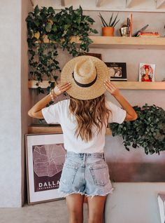 49 Extraordinary Spring And Summer Fashion Ideas That Make You Look Cool - Casual Fall Outfits, Spring Outfits, Cute Outfits, Beach Outfits, Rock Outfits, Emo Outfits, College Outfits, Spring Dresses, Mein Style