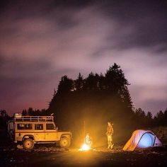 Land Rover Defender 110 Camping...this is my way of life. Lobezno.