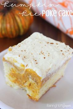 Pumpkin Pie Poke Cake - This is so easy and a perfect Thanksgiving recipe! Pumpkin Recipes, Fall Recipes, Sweet Recipes, Holiday Recipes, Thanksgiving Recipes, Poke Cake Recipes, Poke Cakes, Dessert Recipes, Dump Cakes