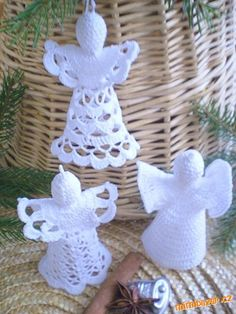 Crochet Christmas Ornaments, Crochet Snowflakes, Christmas Candles, Christmas Decorations, Holiday Decor, Thread Crochet, Crochet Toys, Print Patterns, Crochet Patterns