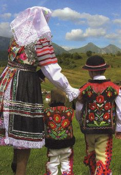 Czech National People from village Zdiar in the Goral folk-costumes in Slovakia! Ždiar is a village and municipality in the Poprad District in the Prešov Region in Spiš in northern Slovakia. Bratislava, We Are The World, People Around The World, Eslava, Costumes Around The World, Art Populaire, Heart Of Europe, Ethnic Dress, Folk Costume