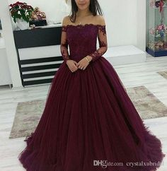 2018 Cheap Quinceanera Ball Gown Dresses Burgundy Off Shoulder Lace Applique Long Sleeves Tulle Puffy Party Plus Size Prom Evening Gowns
