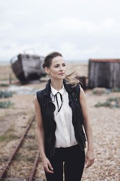 .Live: Gemma Hayes Confirms 2015 UK Tour  (@gemma_hayes)    UK fans of Gemma Hayes will be delighted to learn she has announced a number of live dates in the UK.     The first of which is her rescheduled Oslo, London gig on January 14, 2015 . Hayes recently released her fifth studio album Bones+Longing to critical acclaim in Ireland, the UK and US, despite its lack of recognition in the album charts. The album failed to enter the top 20 Irish albums chart for the very first time, the album…