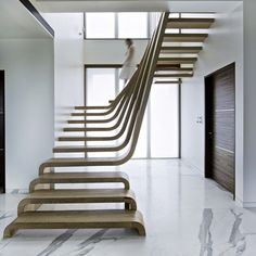 En plein cœur de Mumbai, en Inde, l'agence Arquitectura en Movimiento Workshop a réalisé simultanément trois projets de design d'intérieur pour 3 clients différents dans cet immeuble de 6 étages. ...