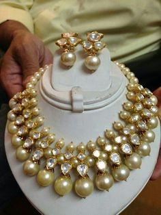 Latest Collection of best Indian Jewellery Designs. Indian Wedding Jewelry, Bridal Jewelry, Beaded Jewelry, Gold Jewelry, Daisy Jewellery, Antique Jewellery, Bridesmaid Jewelry, Pearl Jewelry, Jewelry Sets