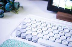 Spot Spring limited LOFREE Luofei Bluetooth mechanical keyboard wireless retro mobile phone ipad Apple MAC-Taobao global station