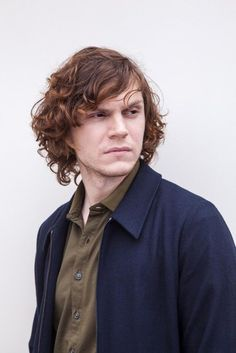 Super Hot! Evan Peters turns on the mysterious charm. Follow rickysturn/ evan-peters