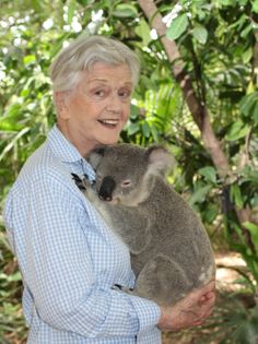 """Because you need this in your life: Dame Angela Lansbury holding a koala. Angela Lansbury, Golden Girls, Old Hollywood, American Actress, Cuddling, My Idol, Movie Stars, Actors & Actresses, Famous People"