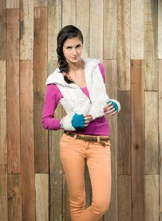 BASEMENT Sweaters pelos! Cool Sweaters, Basement, Capri Pants, Fashion, Moda, Root Cellar, Capri Trousers, Fashion Styles, Fashion Illustrations