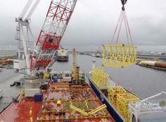Giant 7 Boskalis with Liebherr BOS35000 crane. Preparing voor Wikinger. PAV.