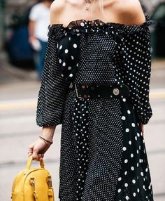 Discover ideas about dots fashion. february polka dots is the new street style New Street Style, Street Style Trends, Street Style Women, Dots Fashion, Girl Fashion, Style Fashion, Fashion Top, Fashion Spring, Fashion Details