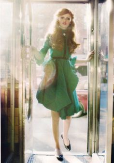 A romantic green #dress for fall that might transition to an #allseason depending on climate. The long sleeves will make it harder, but it's so gorgeous...