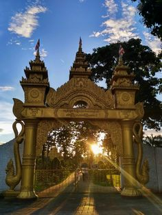 The Golden Pagoda is one of most peaceful place in this world  #peaceofmind