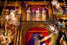Bergdorf Goodman Jazzes Up Fifth Ave with Its Holiday Windows - Holly Jolly Windows - Racked NY Christmas Window Display, Christmas Light Displays, Window Display Design, Christmas Store, Shop Window Displays, Christmas Windows, Go To New York, New York City, Large Holiday Homes