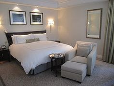 The Peninsula New York, Love the grey and white and the lights on the pictures...<3