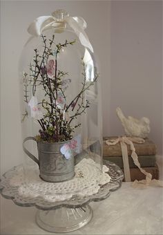 love the paper cut out butterflies on this plant by Bellas Rose Cottage: Summer Cloches. Decoration Shabby, Shabby Chic Decor, Vintage Shabby Chic, Chabby Chic, Glass Domes, Glass Jars, Cloche Decor, The Bell Jar, Bell Jars