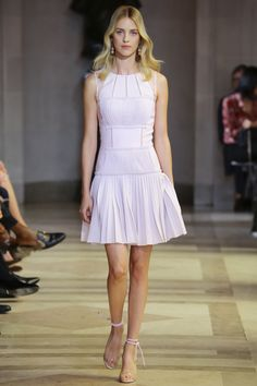 Carolina Herrera Spring 2016 Ready-to-Wear Fashion Show - Julia Frauche