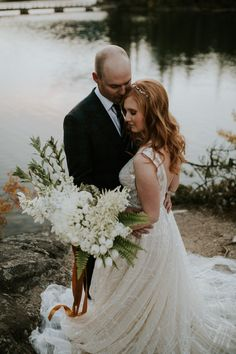 Luxe white and copper wedding inspiration | Image by Brz Photography