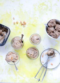 Sund Ben & Jerry is med cookie dough, chokolade og peanutbutter smager syndigt og lækkert, men er lavet af udelukkende gode ingredienser. Hey – sagde hun lige sund Ben &…